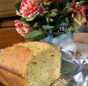 lemon poundcake with flowers