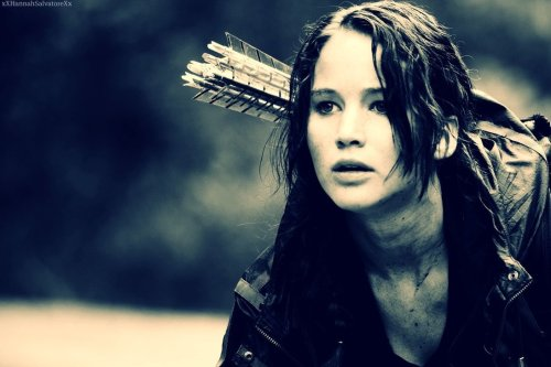 courtesy of: http://dlmagazine.org/wp-content/uploads/2013/07/katniss_everdeen__by_xxhannahsalvatorexx-d4q9msu.jpg