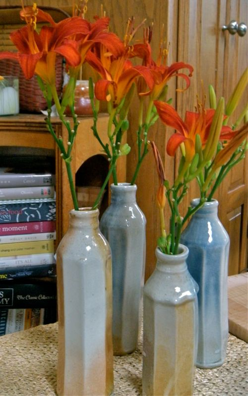 Morandi pottery bottles