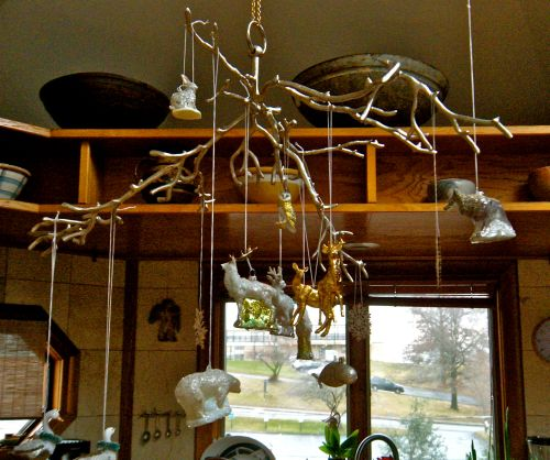 branch chandelier Dec. 23