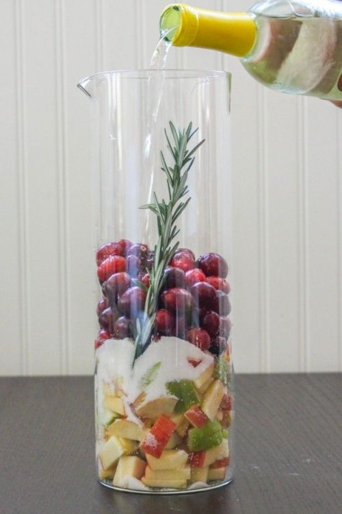 Cranberry-Fruit-Sangria-620x930