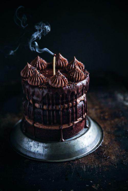 http://www.callmecupcake.se/2016/11/chocolatecake-chocolatehazelnutfrosting.html